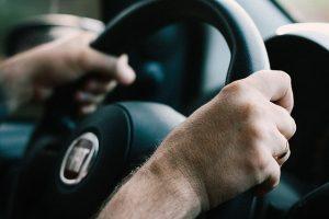 เคล็ดลับการขับรถยนต์ สำหรับมือใหม่ที่ไม่ควรพลาด !