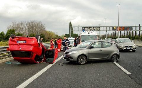 7 เทคนิคการขับรถยนต์แบบง่ายๆ เพื่อลดอุบัติเหตุ
