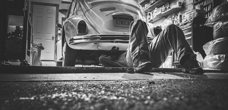 ประกันภัยรถยนต์ 'ซ่อมห้าง' VS 'ซ่อมอู่' ต่างกันอย่างไร?