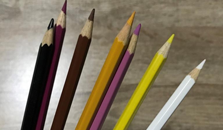 สอนระบายสีไม้ภาพเหมือนน้อง Lisa Black Pink บนกระดาษสีเทาสำหรับผู้ฝึกเริ่มต้น